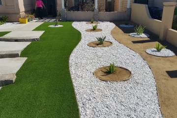 Front Yard Landscape Completion - 6