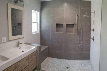 Master Bathroom - 6